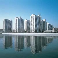 横浜港のすぐ近くにあります