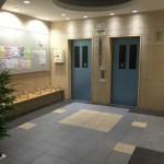 磯子三丁目団地のエレベーターホール