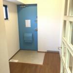 神田小川町ハイツの玄関